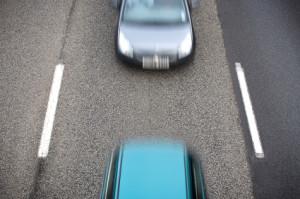 Ein Abstandsverstoß gefährdet die Verkehrssicherheit.
