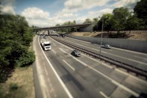 Auf der Autobahn herrscht ein Rechtsfahrgebot.
