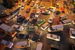 Ohne die Rechts-vor-Links-Regelung würde an Kreuzungen ohne Schilder oder Ampeln schnell Chaos herrschen.