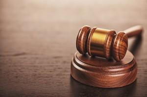 Um eine fahrlässige Körperverletzung durch einen Strafantrag verfolgen zu lassen, muss dieser vom Opfer gestellt werden.