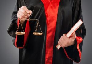 Für gefährliche Körperverletzung werden verschiedene Urteile gesprochen. Sie hängen immer von der Schwere des Delikts ab.