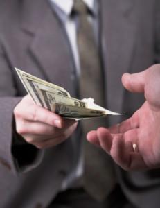 Sie wurden geblitzt? Die Punkte übernehmen andere Kraftfahrer gerne, wenn das Geld stimmt.