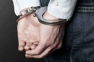 Wer gegen den Jugendschutz im Internet verstößt, muss schlimmstenfalls mit einer Freiheitsstrafe rechnen.