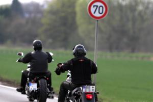 Kommt es mit dem Motorrad zu einem Unfall, sollten gewisse Punkte beachtet werden.