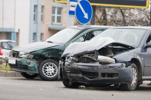 Der Wertverlust nach einem Unfall kann auf zwei verschiedene Arten erfolgen.