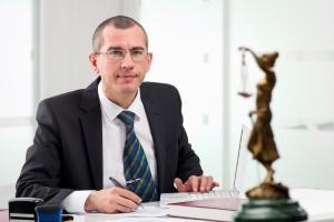 Verkehrsrecht: Ein Anwalt aus Frankfurt steht Ihnen zur Seite.