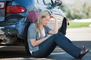 Mit dem Firmenwagen einen Unfall verursacht: Wer den Schaden zahlt, ist von mehreren Faktoren abhängig.