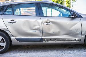Wer haftet, wenn die Dienstreise mit dem Privat-Pkw mit einem Unfall endet?
