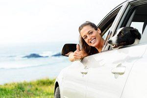 Sie können schwanger mit dem Auto fahren, wenn Sie auf Ihre Sicherheit achten.