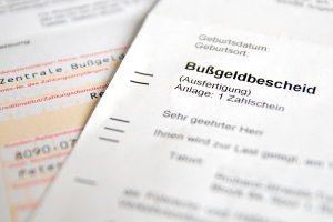 Geblitzt: Die Verjährung vom Bußgeldbescheid tritt nach drei Monaten ein.