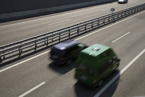 Autobahn: Ein Mindestabstand muss auch zur Seite beim Überholen eingehalten werden.