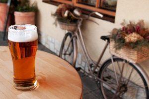 Auch Fahrradfahrern droht ab 1,6 Promille eine Strafe.